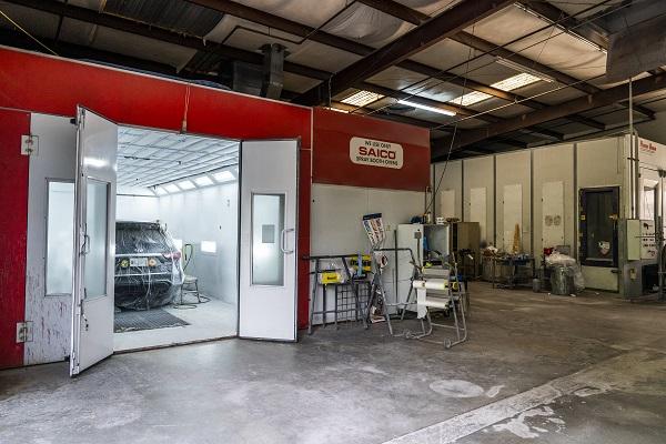 Auto shop spray booth